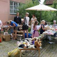 Bücher- und Kuscheltierflohmarkt