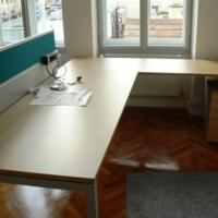 In der Kanzlei steht ein vollwertiger zweiter, auch behindertengerecht ausgestatteter Arbeitsplatz zur Verfügung.